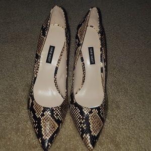 NWOT Print heels